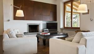 Salas / recibidores de estilo minimalista por Caterina Raddi