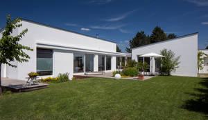 Wohnhaus E1 in Bad Boll : moderne Häuser von Gaus & Knödler Architekten