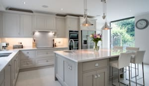 Beautiful bespoke kitchen in Hertfordshire by John Ladbury: modern Kitchen by John Ladbury and Company