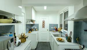 Remodelación Departamento Los Estanques: Cocinas de estilo moderno por Grupo E Arquitectura y construcción