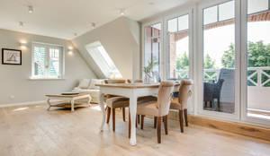 Salle à manger de style de style Moderne par Home Staging Sylt GmbH