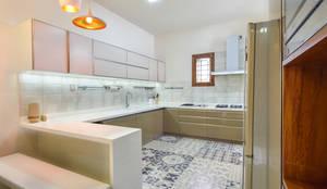 Modern minimal: minimalistic Kitchen by Design Species