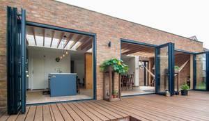 modern Houses by Bradley Van Der Straeten Architects