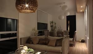 Salas / recibidores de estilo moderno por emARTquitectura: Arquitectura, arte y diseño.