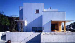 キュウ邸: 柳瀬真澄建築設計工房 Masumi Yanase Architect Officeが手掛けた家です。