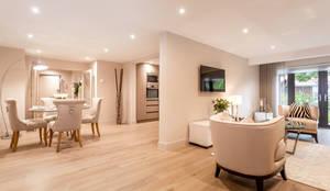 Salones de estilo moderno de SMB Interior Design Ltd