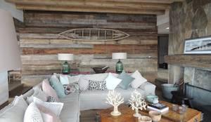 casa Bambach - Vial: Livings de estilo moderno por David y Letelier Estudio de Arquitectura Ltda.