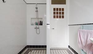 Badkamer: moderne Badkamer door studiopops