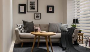 小客廳:  客廳 by 存果空間設計有限公司, 隨意取材風