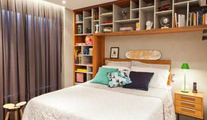 Dormitorios de estilo  por PKB Arquitetura