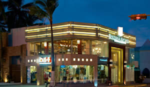 Fachada principal : Restaurantes de estilo  por 360arquitectura