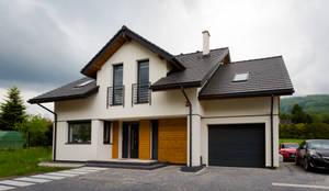 Dom w górach: styl minimalistyczne, w kategorii Domy zaprojektowany przez in2home