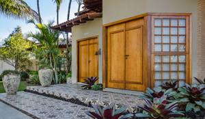 Paisagismo Residencial: Jardins tropicais por Le Jardin Arquitetura Paisagística