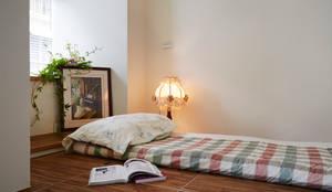 Phòng ngủ by 弘悅國際室內裝修有限公司