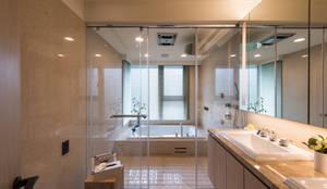 汎羽空間設計의  화장실