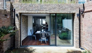 Rear elevation : modern Houses by Brosh Architects