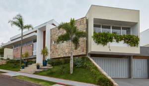 Projekty, nowoczesne Domy zaprojektowane przez grupo pr | arquitetura e design