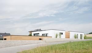 Exclusiver Bungalow mit hochwertiger Ausstattung in Lichtenfels:  Bungalow von wir leben haus - Bauunternehmen in Bayern
