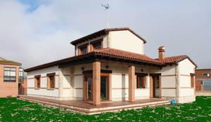 Vivienda unifamiliar rústica: Casas de estilo rústico de mh11arquitectos