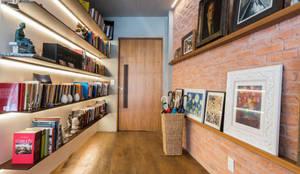Apartamento Gávea: Casas modernas por Espaço Tania Chueke