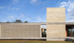 Casa AS: Casas de estilo  por BLTARQ  Barrera-Lozada
