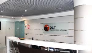 Sala de Espera: Oficinas y Tiendas de estilo  por Soluciones Técnicas y de Arquitectura
