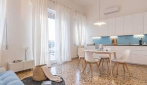 Salas de estilo minimalista por Anna Leone Architetto Home Stager