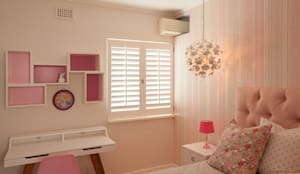 House Varyani:  Nursery/kid's room by Redesign Interiors