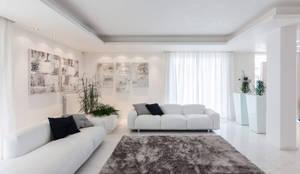 minimalistische Wohnzimmer von Morelli & Ruggeri Architetti