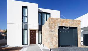 Maison préfabriquée de style  par Casas inHAUS