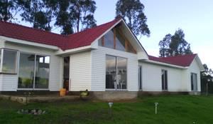 casas playa campo: Casas de madera de estilo  por LF  contratista en construccion integral