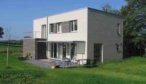 Passivhaus in Raeren/ Belgien: moderne Häuser von Architekturbüro Sutmann