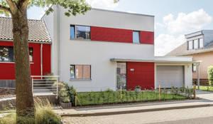Neubau eines Passivhauses in Aachen-Lichtenbusch: moderne Häuser von Architekturbüro Sutmann