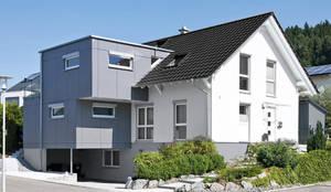 Maison préfabriquée de style  par KitzlingerHaus GmbH & Co. KG