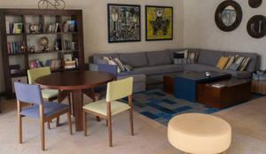 Salones de estilo ecléctico de NISPERO HOME