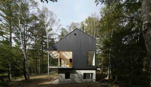 桑原茂建築設計事務所 / Shigeru Kuwahara Architects의  전원 주택