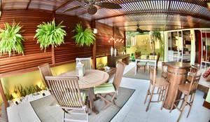 Área externa de lazer - CASA EV: Piscinas rústicas por Arching - Arquitetos Associados