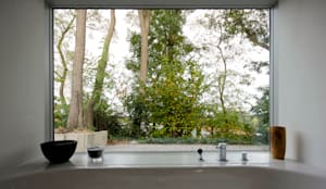 Blick auf Badfenster:  Fenster von ARCHITEKTEN BRÜNING REIN