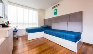 MONDRIAN: Habitaciones para niños de estilo  por Munera y Molina
