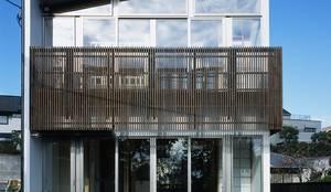 環境と一体化の家: 株式会社 井川建築設計事務所が手掛けた家です。