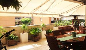 TERRAZA PARTICULAR - SANTBOI LLOBREGAT: Terrazas de estilo  de BURESINNOVA S.A.