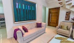 Salas / recibidores de estilo clásico por Camarina Studio
