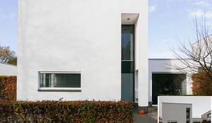 Maisons de style de style Moderne par KleurInKleur interieur & architectuur