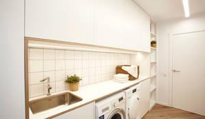 Lavadero: Cocinas integrales de estilo  de Laia Ubia Studio