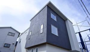 キューブが重なり合うシンプルな外観: タイコーアーキテクトが手掛けた一戸建て住宅です。