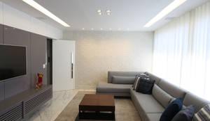 : Salas de estar modernas por Mutabile