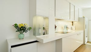 Küche:  Küchenzeile von schüller.innenarchitektur