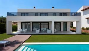 Casa unifamiliare in stile  di SGM Arquitectura