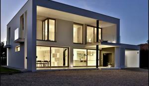 Vivienda Unifamiliar Picassent (2012): Casas unifamilares de estilo  de DosiCreatius