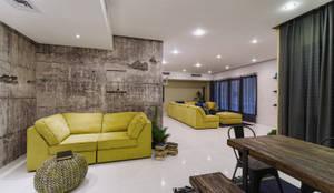 Industrial Living room :  Corridor & hallway by Aorta the heart of art,